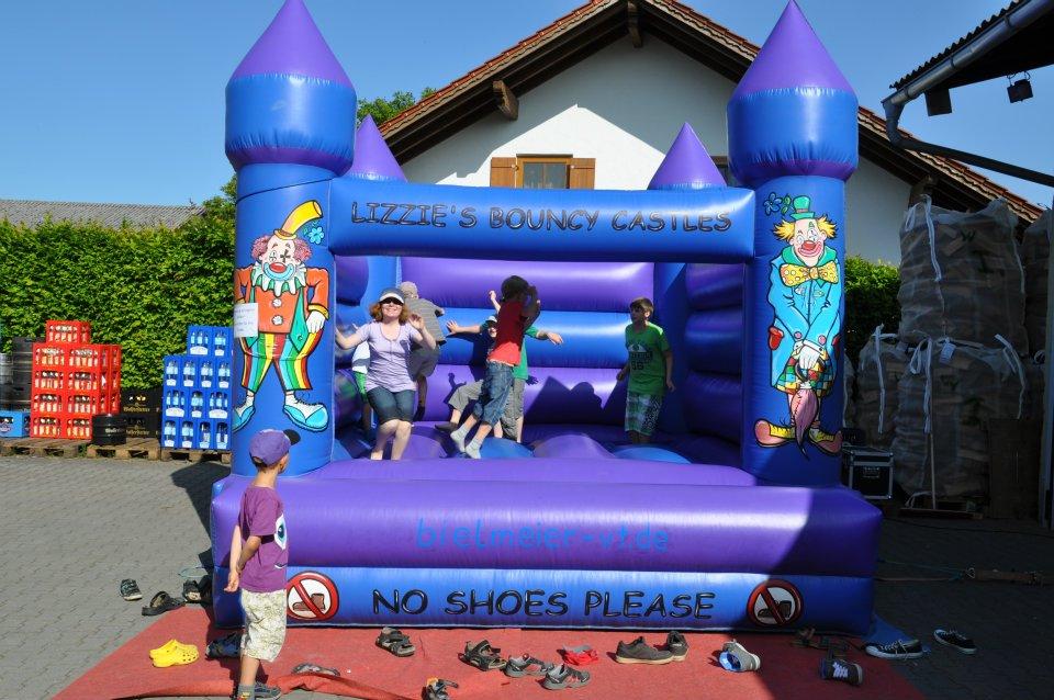 Hüpfburg für das Dorffest Schmidham