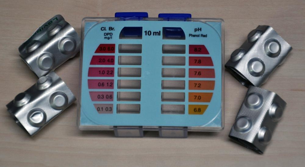 Astralpool Brom/Chlor und pH Testkit DPD + Phenol Tabletten inkl. Schauglas